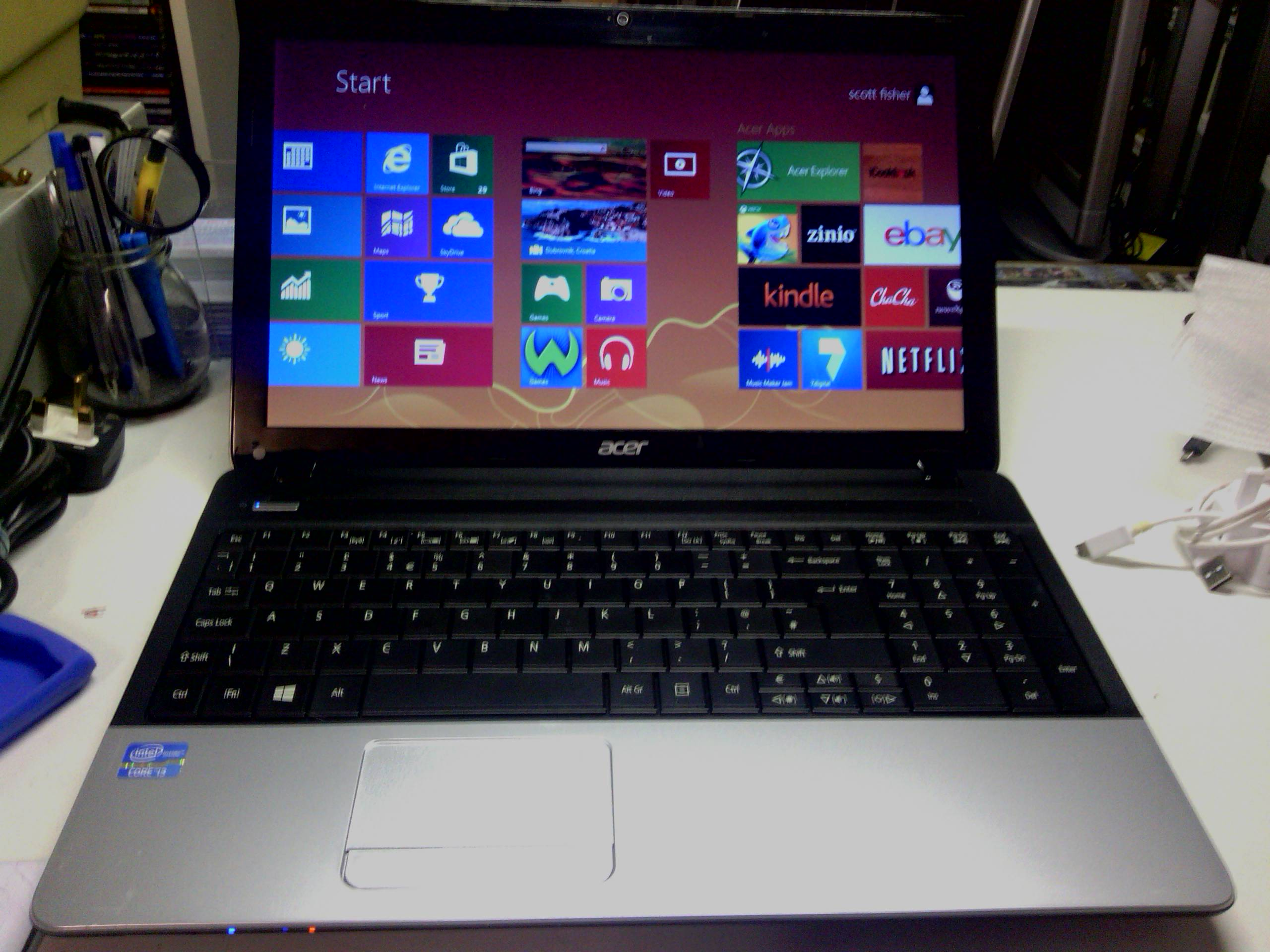 Acer | E explore beyond limits 75GB0HD 6GBram win8