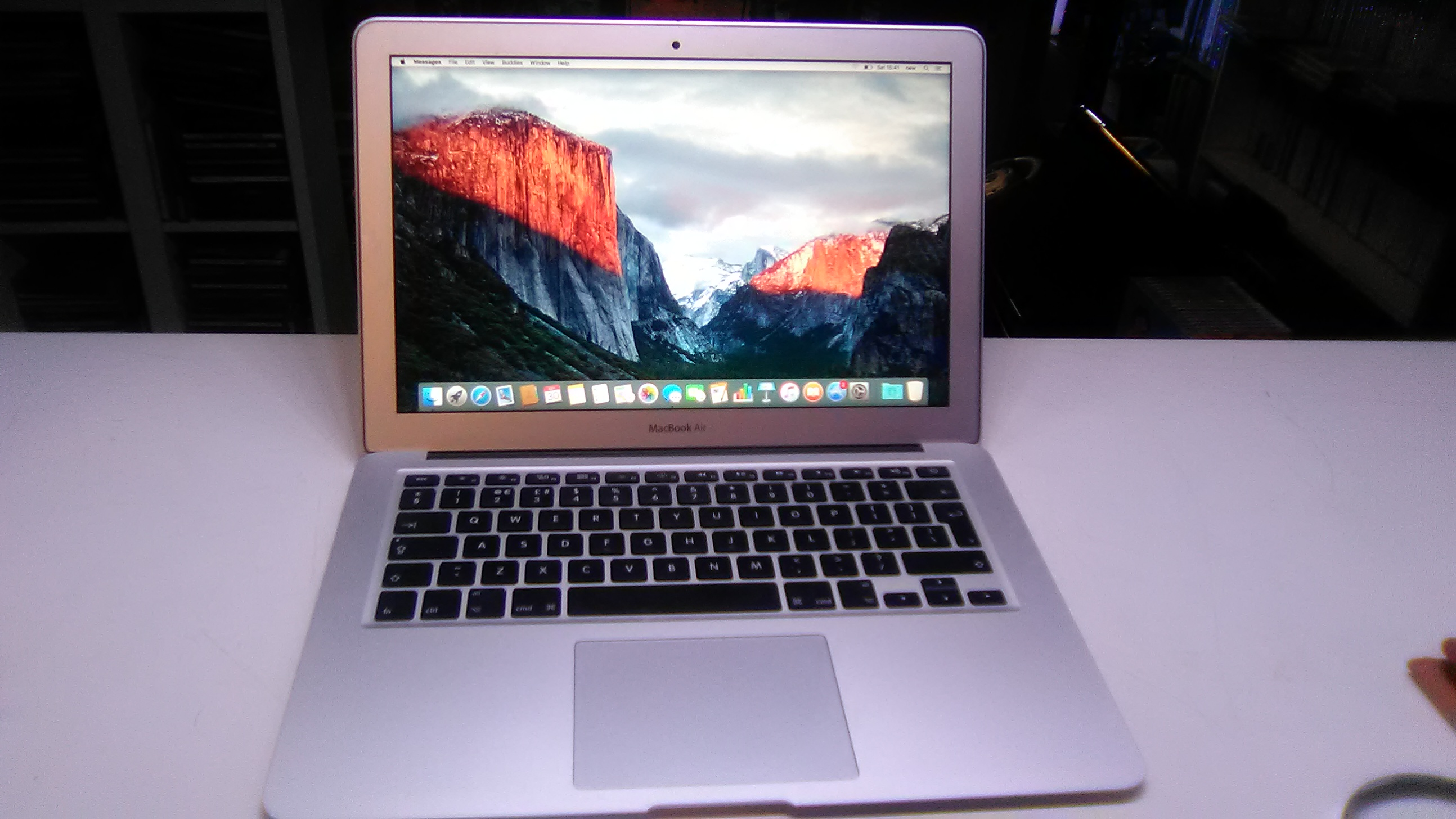 Apple macbook air 13,3 Intel core i5 8gb